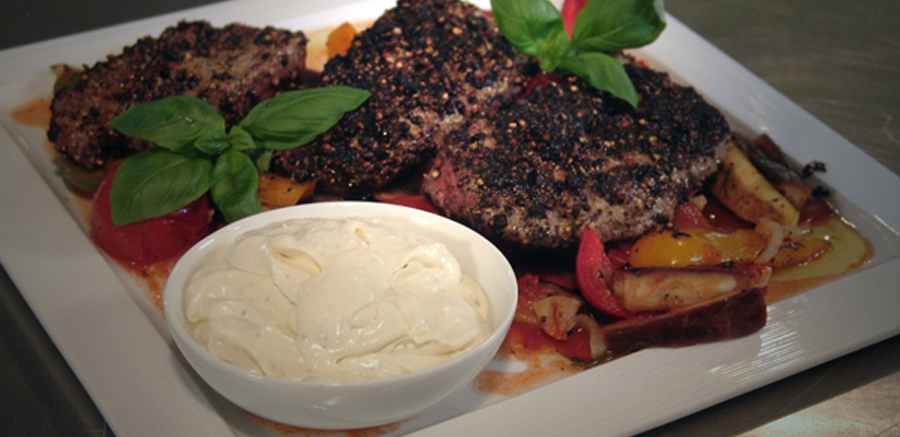 Gepeperde steak & ratatouille